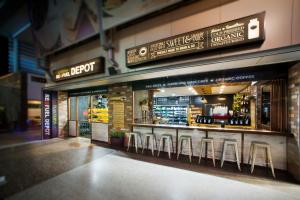 Flannery's Refuel Depot Exterior Robina - By Open Projects - Gold Coast / Brisbane Shopfitting