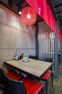 Open Projects Group, Ramen Danbo - Gold Coast & Brisbane Shop Fitting - Dinning