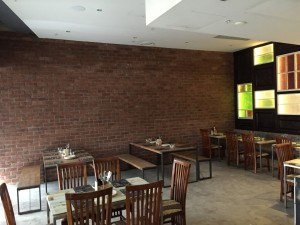Pigs n Pints Surfers Paradise Dining Area - By Open Projects - Gold Coast / Brisbane Shopfitting